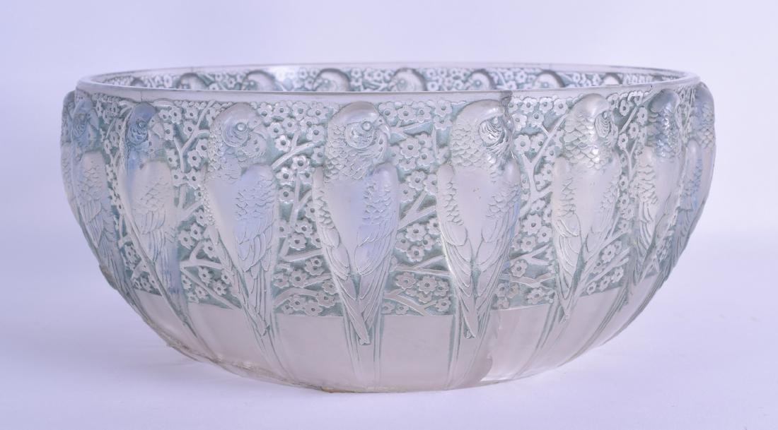 A STYLISH RENE LALIQUE FRENCH PARAKEETS GLASS BOWL