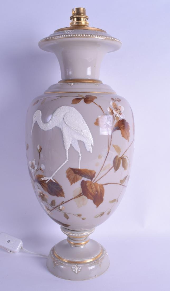 A LATE EDWARDIAN/VICTORIAN ENAMELLED OPALINE GLASS VASE