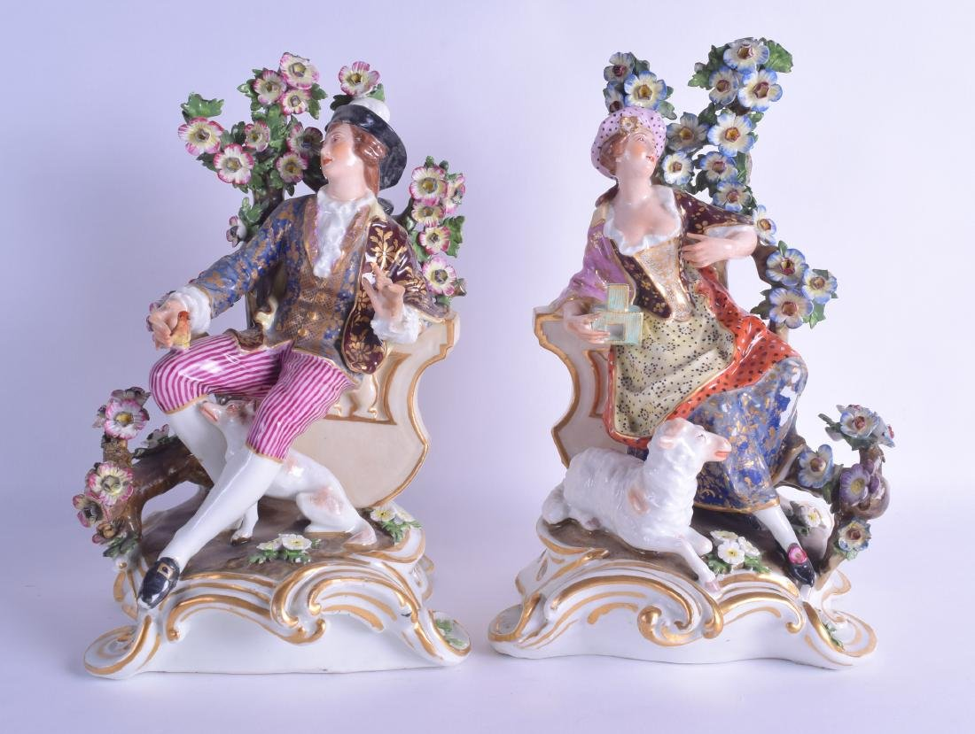 A PAIR OF EARLY 19TH CENTURY DERBY PORCELAIN FIGURES