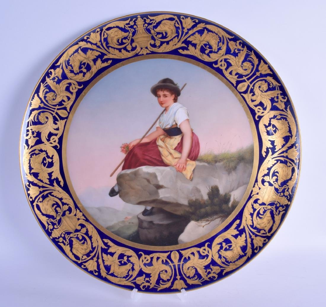 A VERY LARGE EARLY 20TH CENTURY VIENNA PORCELAIN