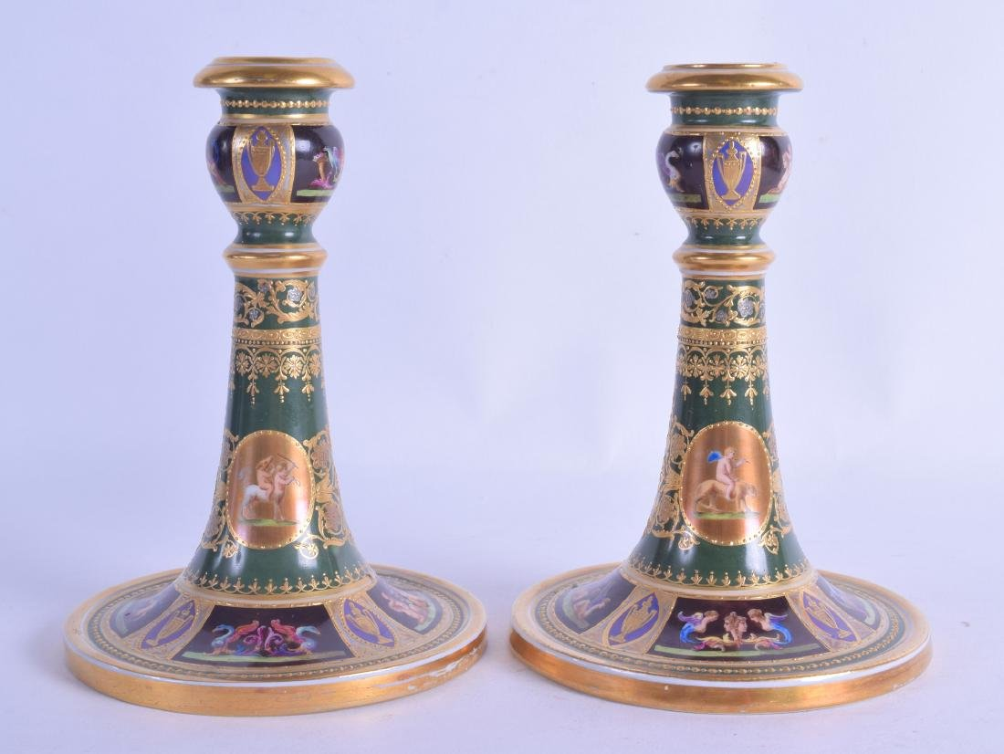 A GOOD PAIR OF EARLY 20TH CENTURY VIENNA PORCELAIN