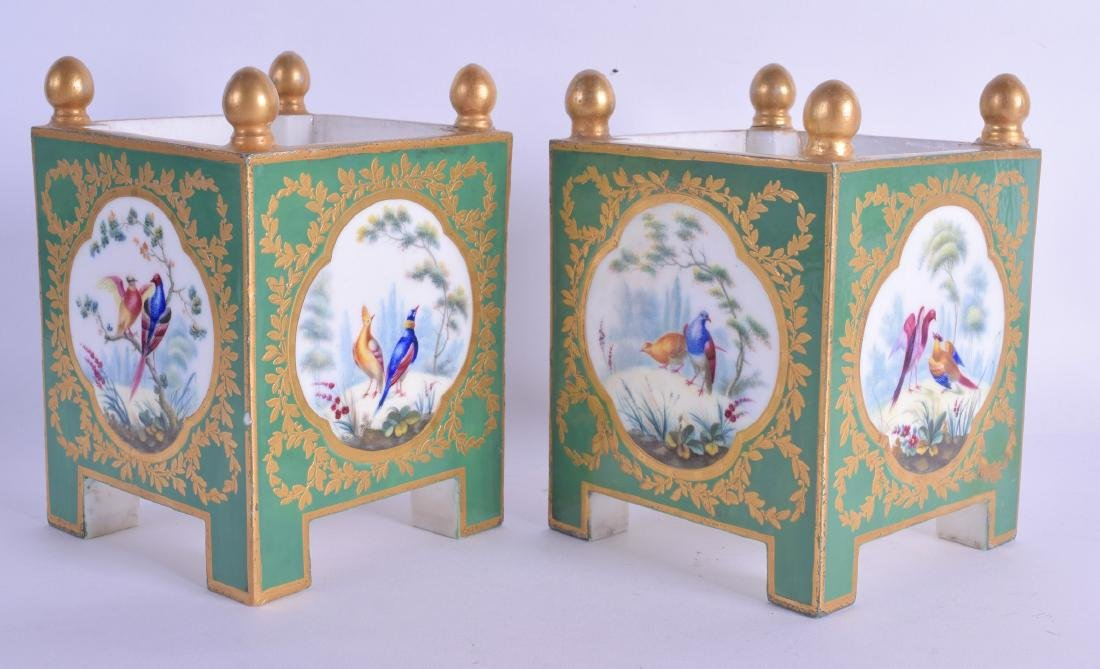 A GOOD PAIR OF EARLY 19TH CENTURY SEVRES PORCELAIN