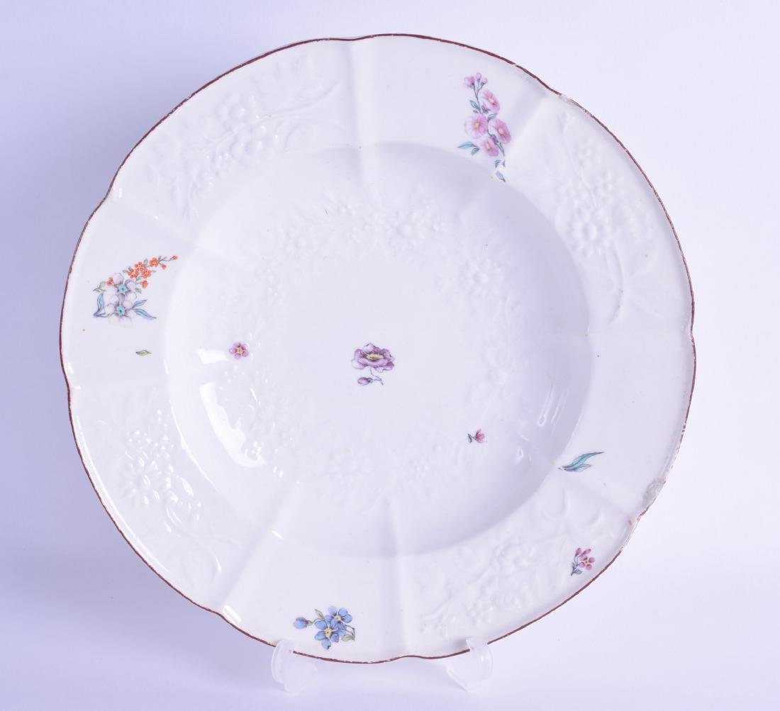 Mid 18th c. Chelsea moulded soup plate of Gotskowsky