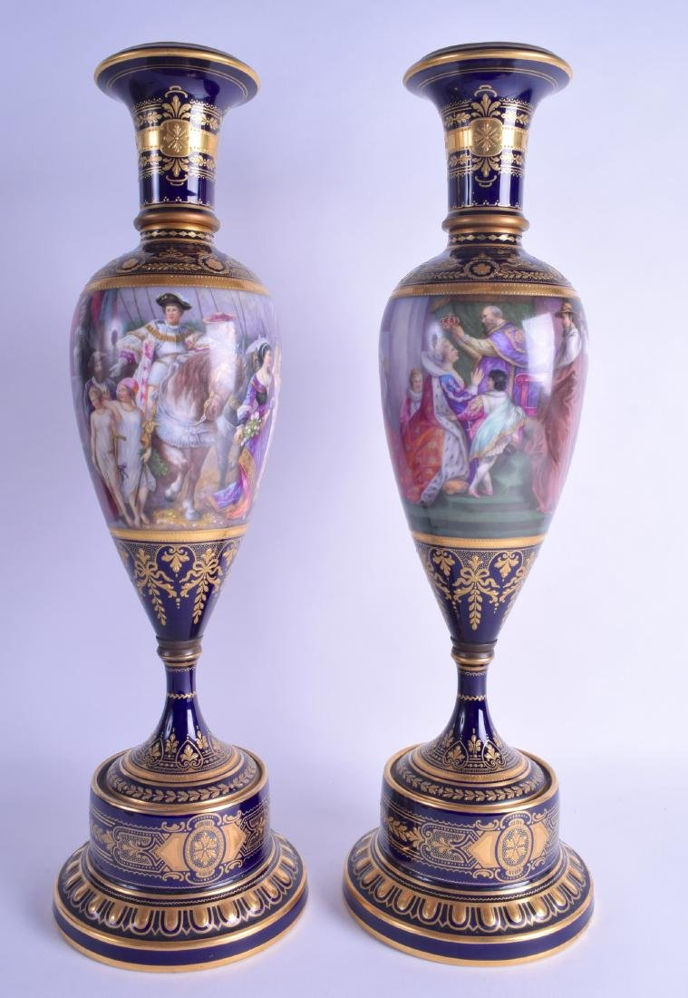 A FINE LARGE PAIR OF 19TH CENTURY VIENNA PORCELAIN