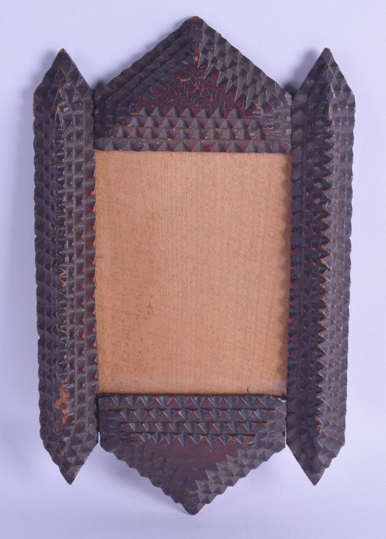 A RARE AMERICAN CARVED TRAMP ART PHOTOGRAPH FRAME. 16