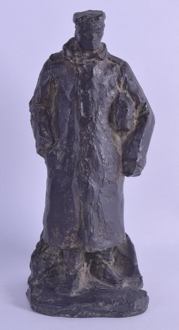 A LOVELY EARLY 20TH CENTURY FRENCH BRONZE FIGURE OF A
