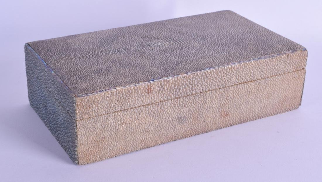 AN EARLY 20TH CENTURY FRENCH SHAGREEN CIGARETTE BOX AND