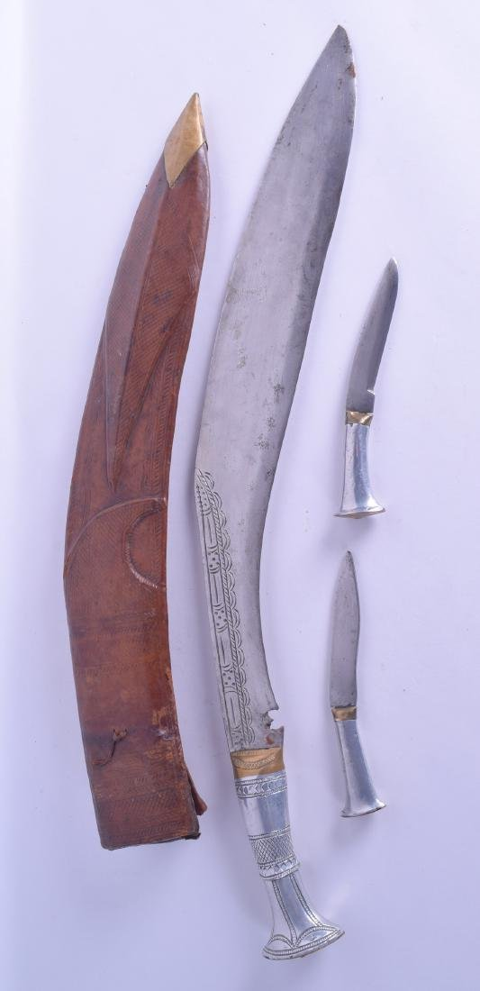 A 1920S INDIAN SILVER HANDLED KUKRI with leather - 2