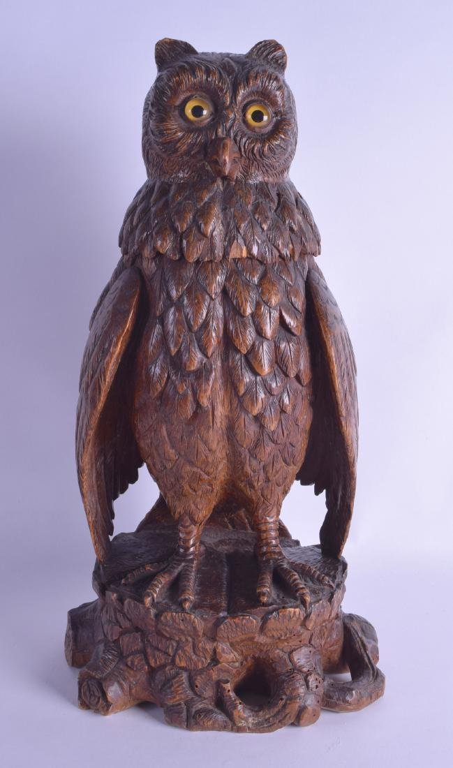 A LARGE LATE 19TH CENTURY BLACK FOREST BAVARIAN CARVED