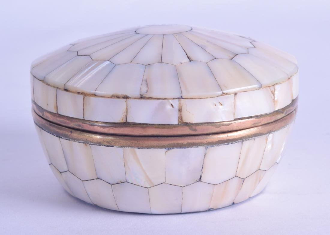 AN EARLY 20TH CENTURY INDIAN MOTHER OF PEARL BOX AND