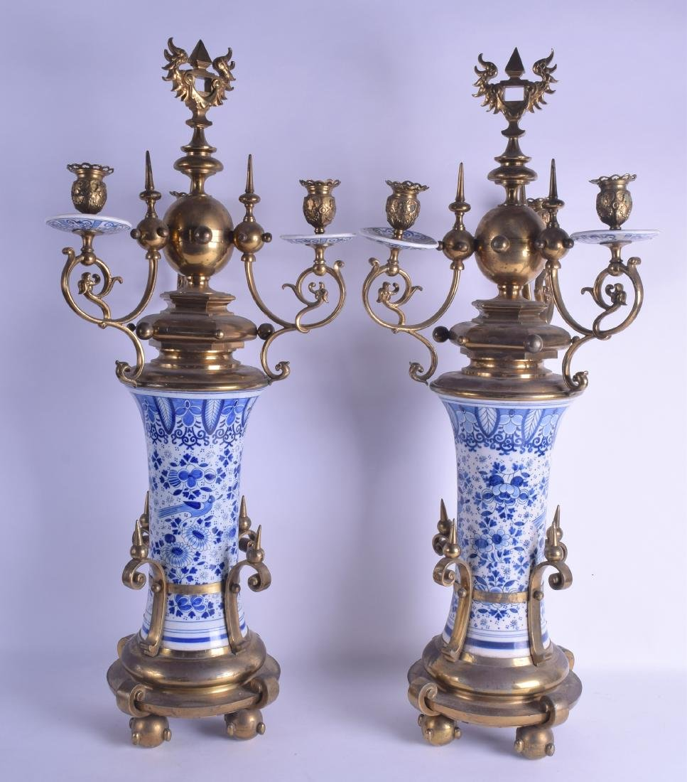A PAIR OF 19TH CENTURY DUTCH DELFT BLUE AND WHITE