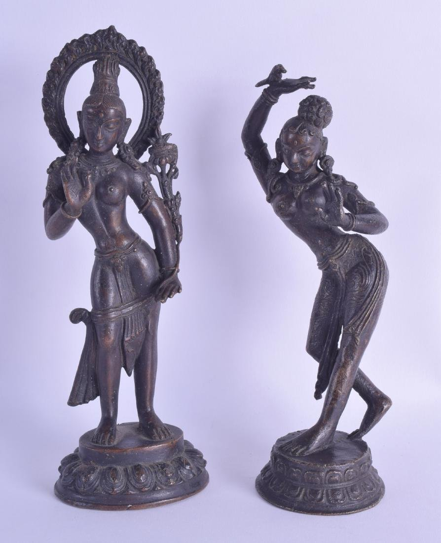 A PAIR OF 19TH CENTURY INDIAN BRONZE FIGURES OF DANCING