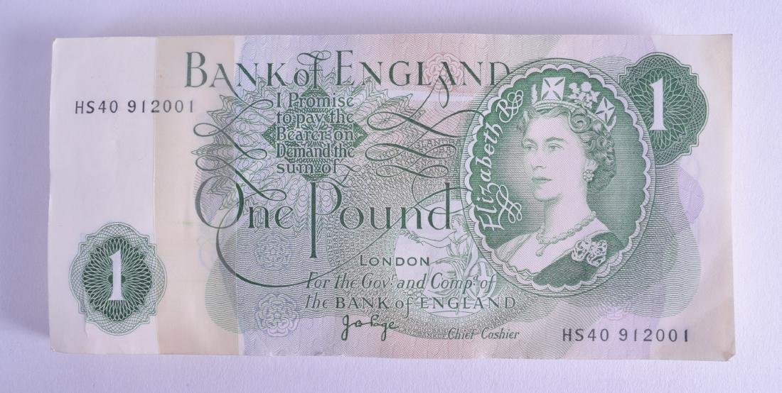 A COLLECTION OF ONE HUNDRED UNCIRCULTED BANK OF ENGLAND