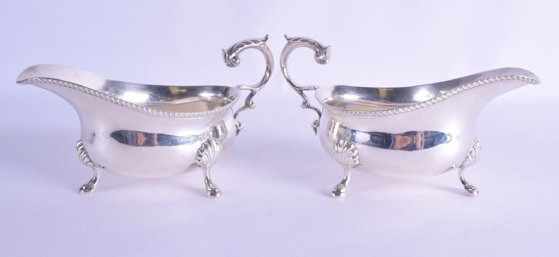 A PAIR OF 1930S SILVER SAUCEBOATS Goldsmiths &