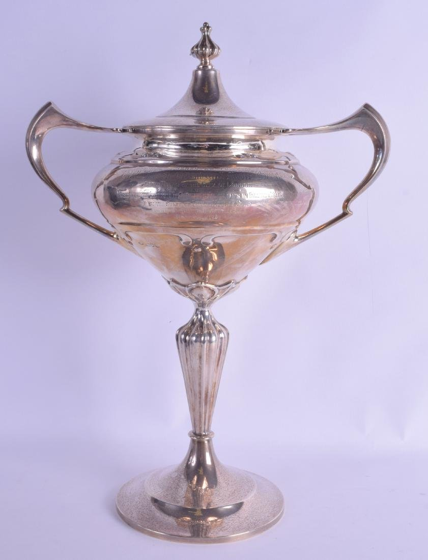 A LOVELY LARGE ART NOUVEAU TWIN HANDLED SILVER TROPHY