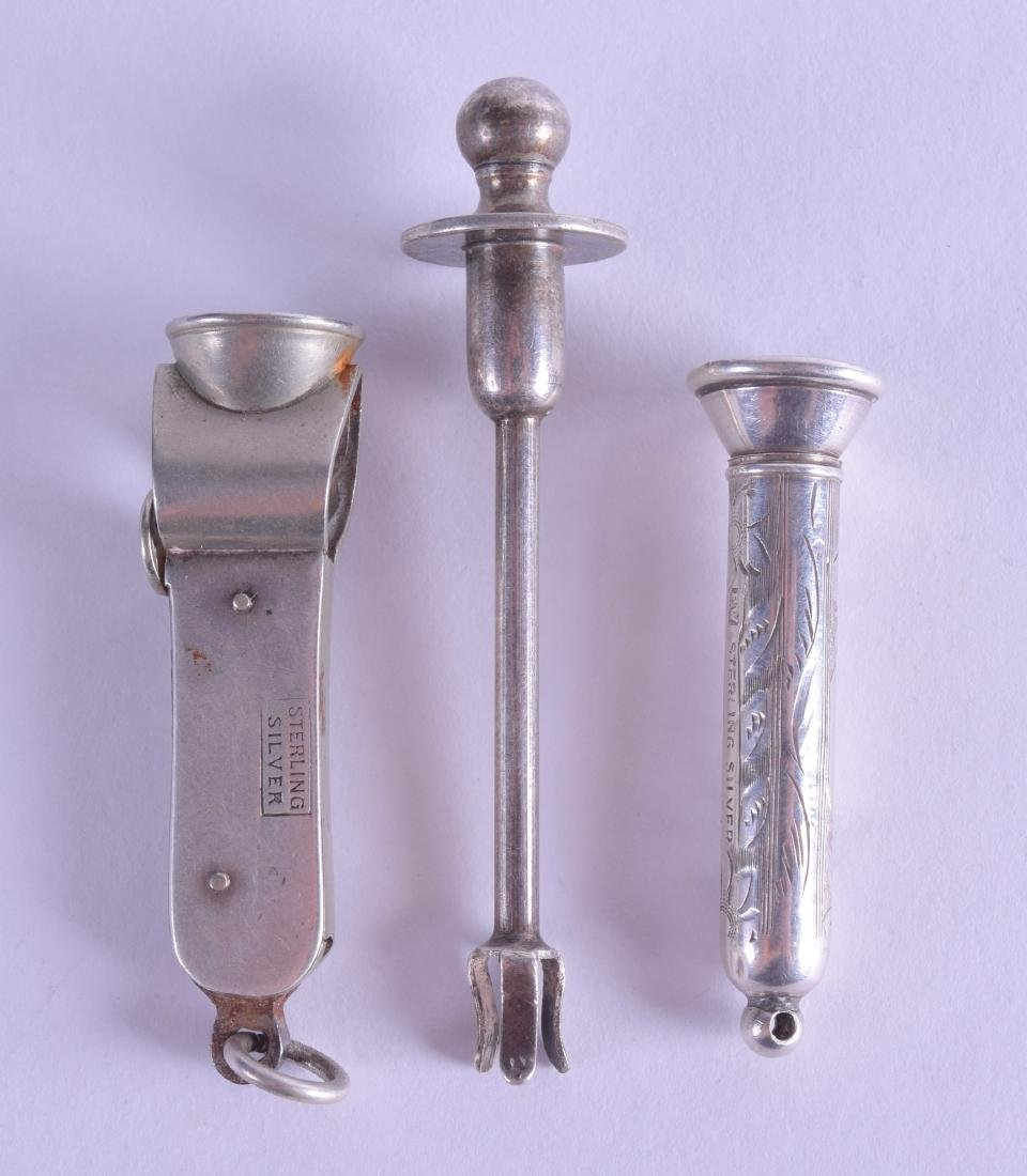 A 1950S STERLING SILVER CHEROOT CUTTER together with a