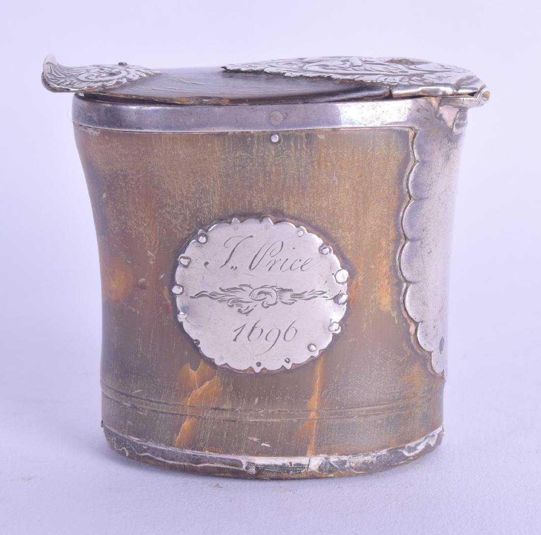 A GOOD EARLY ENGLISH SILVER MOUNTED HORN SNUFF BOX