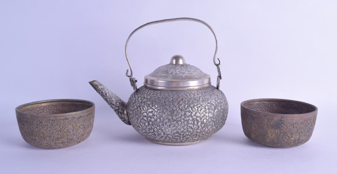 A 19TH CENTURY INDIAN SILVER TEAPOT AND COVER with