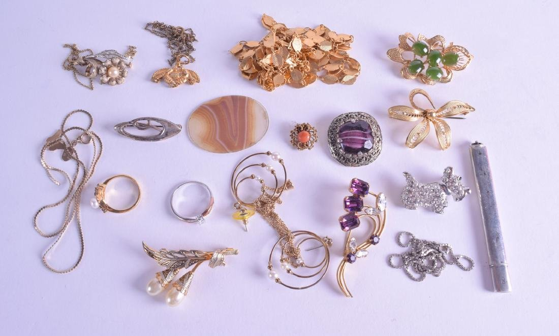 A COLLECTION OF COSTUME JEWELLERY together with a