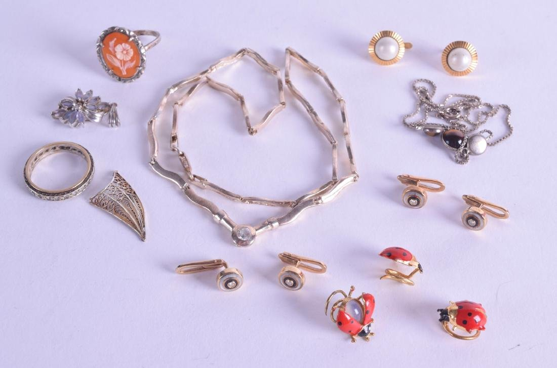 AN ANTIQUE SILVER AND AGATE RING together with various
