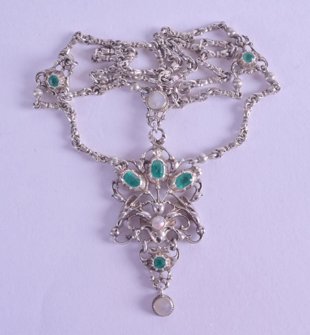A STYLISH ANTIQUE AUSTRO HUNGARIAN SILVER NECKLACE