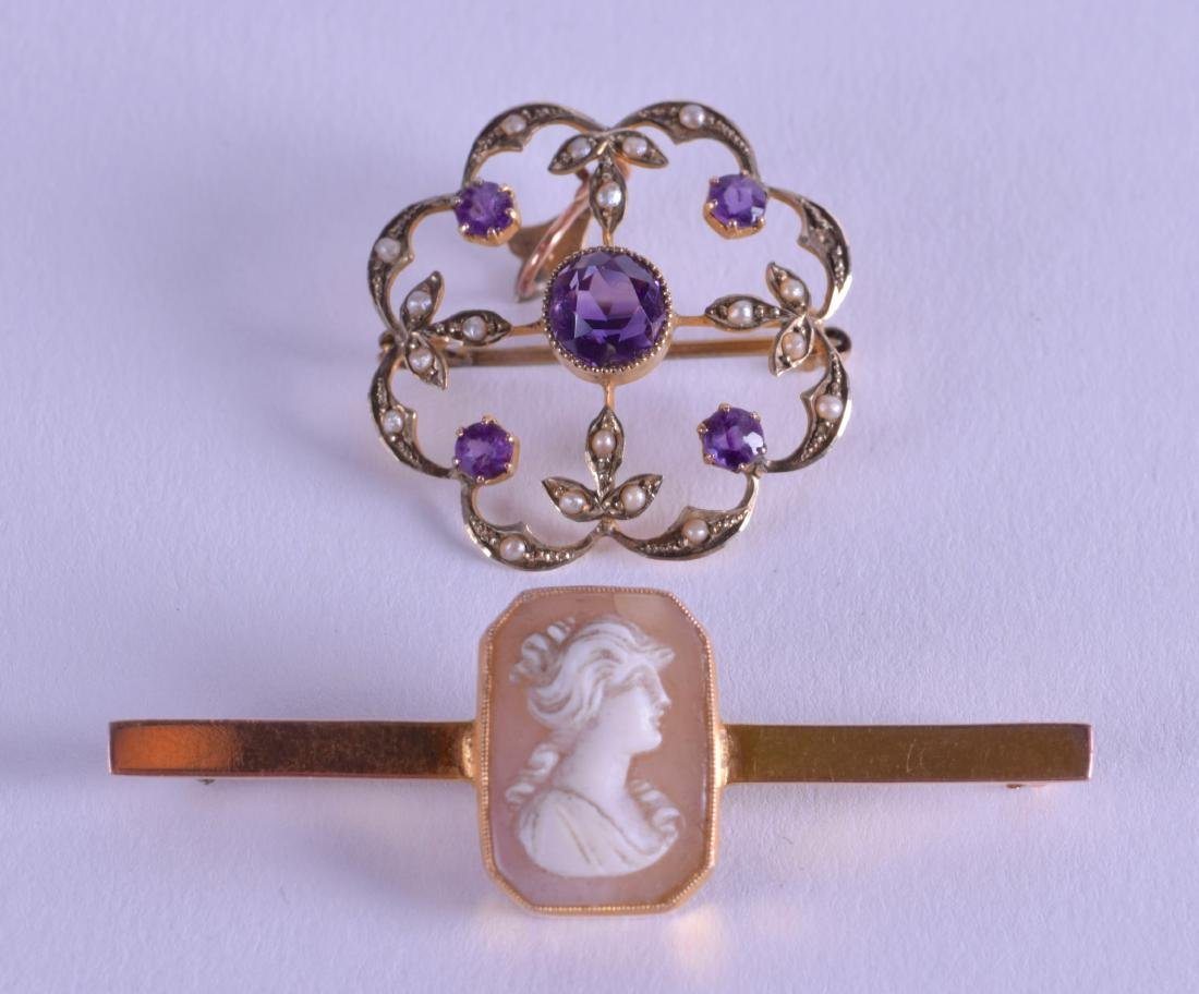 TWO ANTIQUE GOLD BROOCHES. (2)
