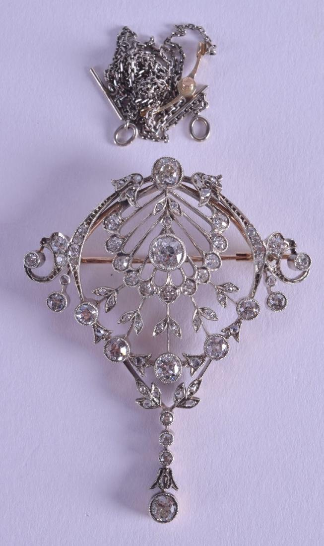 A LOVELY ANTIQUE RUSSIAN 18CT WHITE GOLD AND DIAMOND
