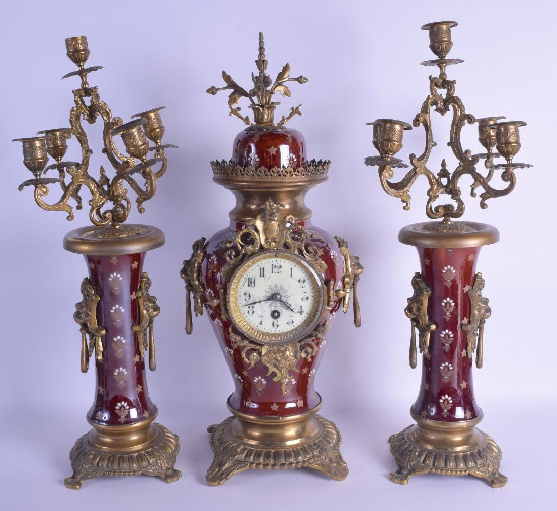 A LATE 19TH CENTURY CONTINENTAL PORCELAIN CLOCK