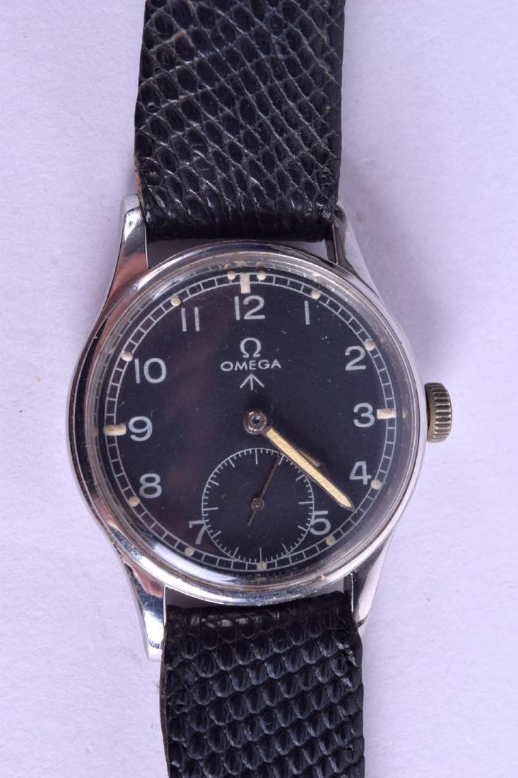 A GOOD WWII OMEGA MILITARY WRISTWATCH No 1572, with