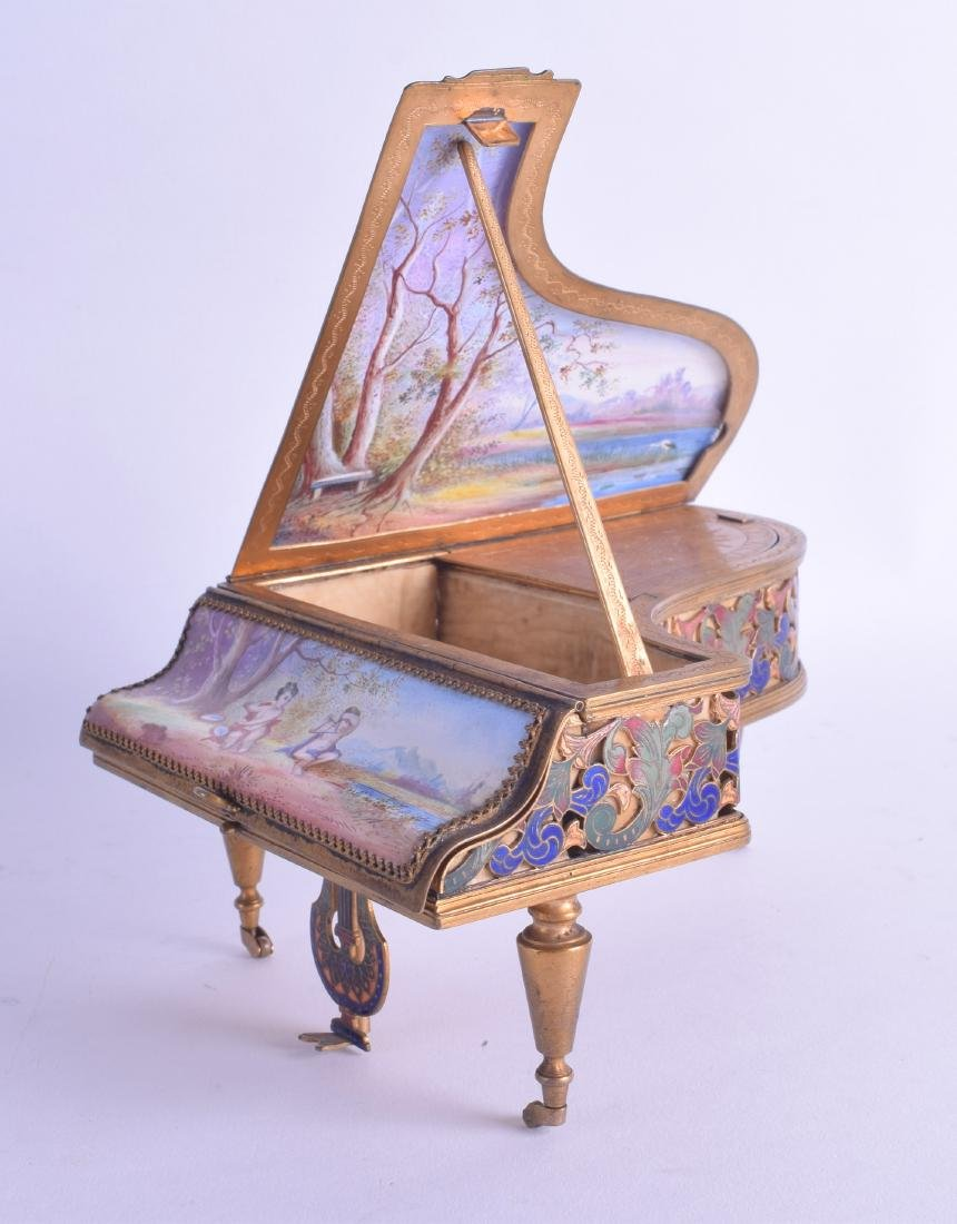 A FINE AND RARE 19TH CENTURY SWISS ENAMEL NOVELTY MUSIC