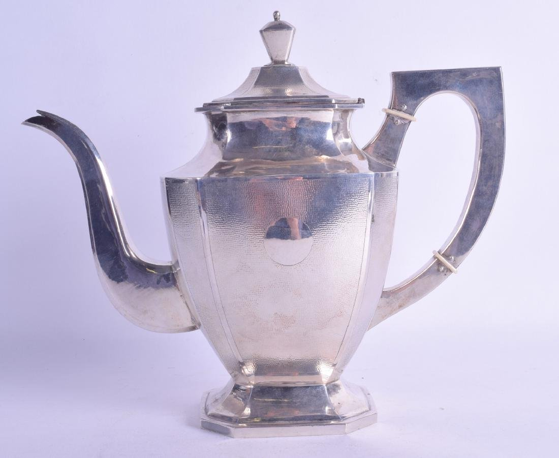 A LATE 19TH CENTURY CHINESE EXPORT SILVER COFFEE POT