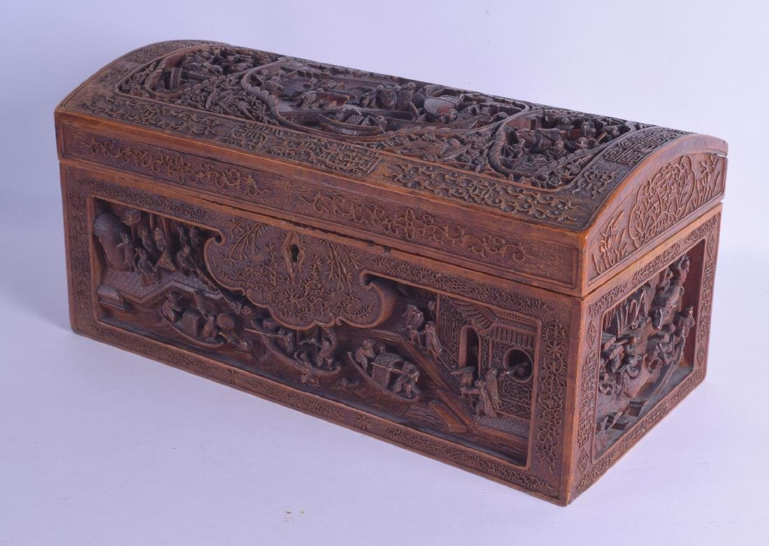 A FINE LARGE 18TH/19TH CENTURY CHINESE CARVED