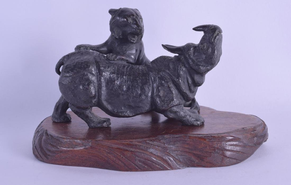 A 19TH CENTURY JAPANESE MEIJI PERIOD BRONZE OKIMONO