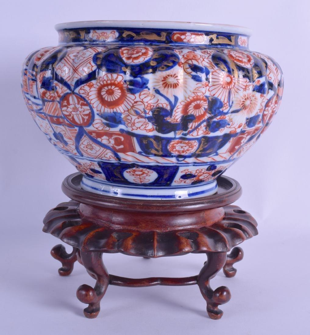 A 19TH CENTURY JAPANESE MEIJI PERIOD IMARI JARDINIERE