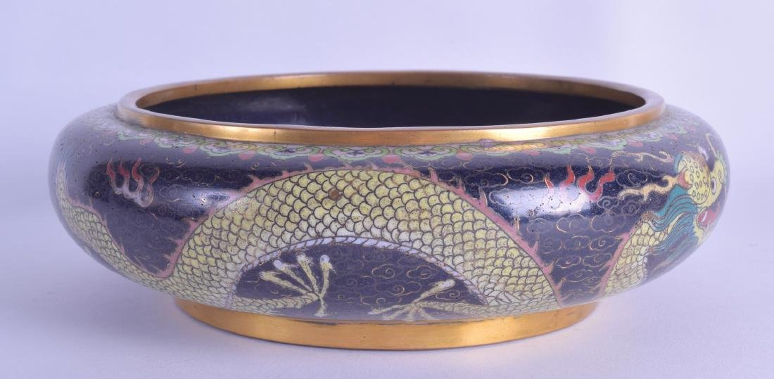 A LATE 19TH CENTURY CHINESE CLOISONNE ENAMEL BOWL
