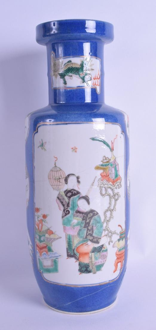 A 19TH CENTURY CHINESE FAMILLE VERTE PORCELAIN ROULEAU