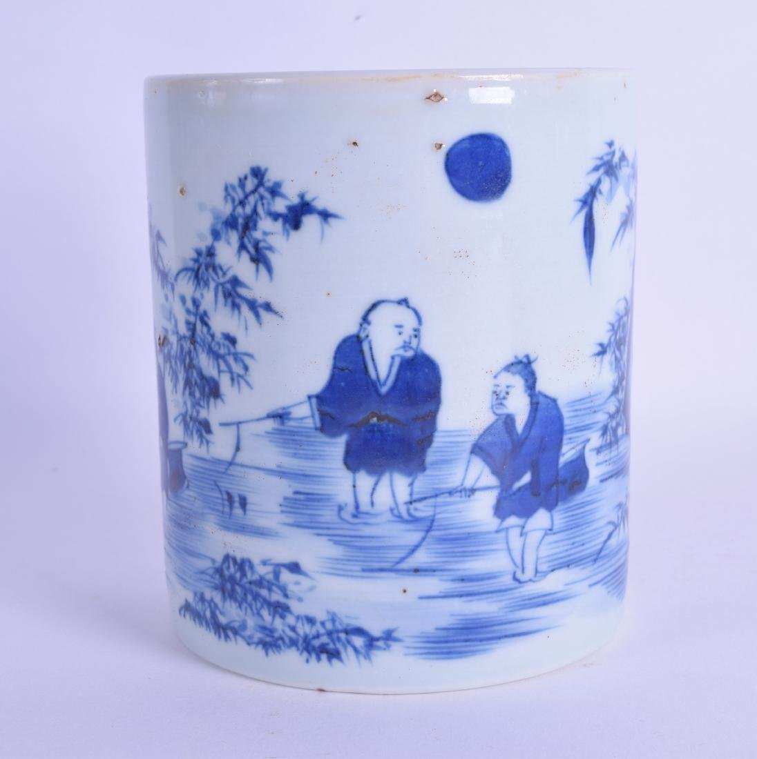 A CHINESE BLUE AND WHITE PORCELAIN BRUSH POT painted
