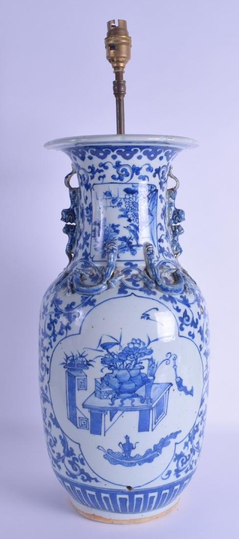 A LARGE 19TH CENTURY CHINESE BLUE AND WHITE PORCELAIN