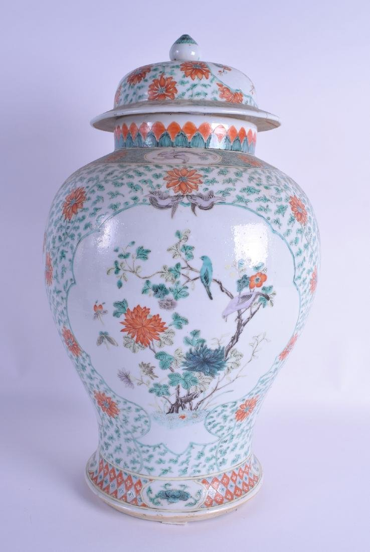 A GOOD LARGE 19TH CENTURY CHINESE FAMILLE VERTE