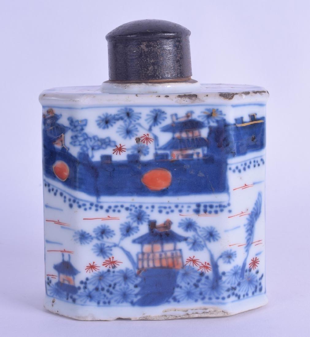 A 17TH/18TH CENTURY CHINESE IMARI PORCELAIN TEA CADDY