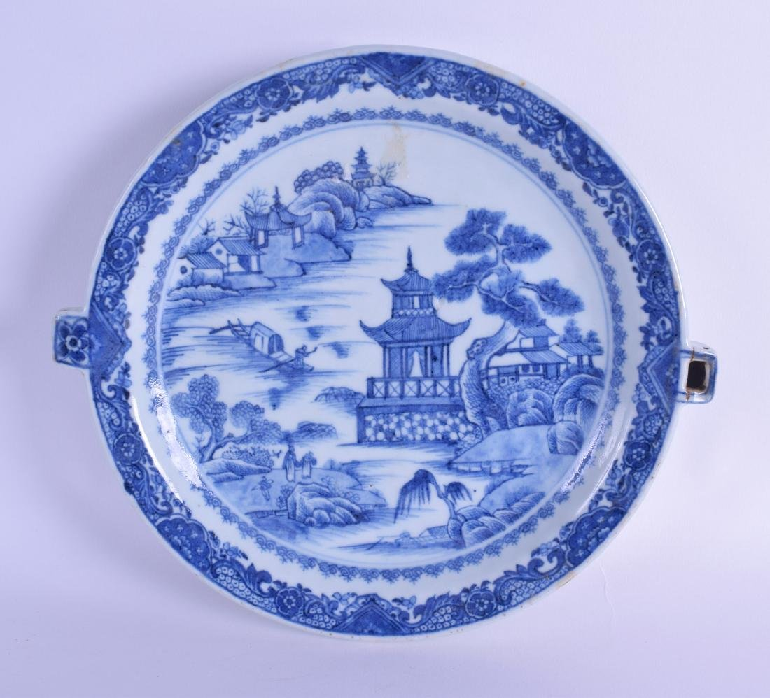 AN 18TH CENTURY CHINESE EXPORT BLUE AND WHITE HOT