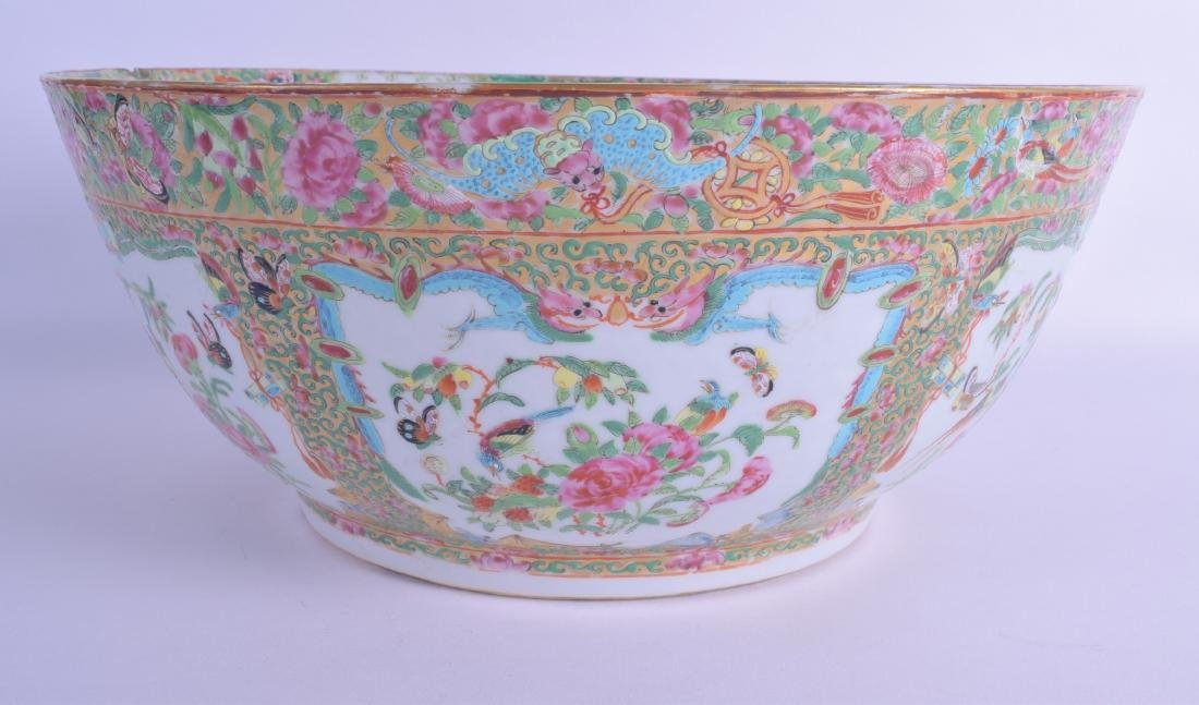 A LARGE MID 19TH CENTURY CHINESE CANTON FAMILLE ROSE
