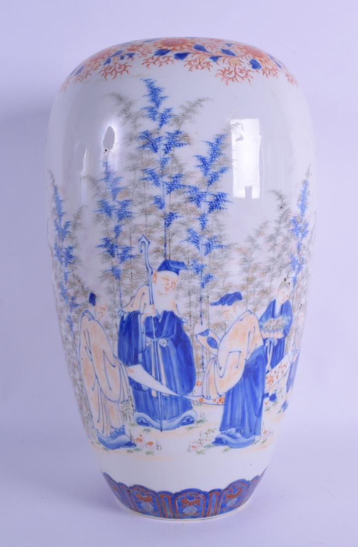 A 19TH CENTURY JAPANESE MEIJI PERIOD IMARI VASE painted