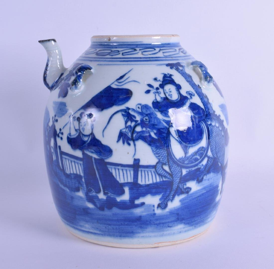 A 19TH CENTURY CHINESE BLUE AND WHITE PORCELAIN TEAPOT