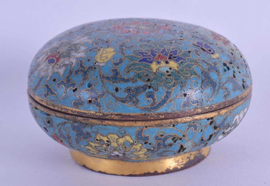 A LOVELY CHINESE CLOISONNE ENAMEL ROUGE BOX AND COVER