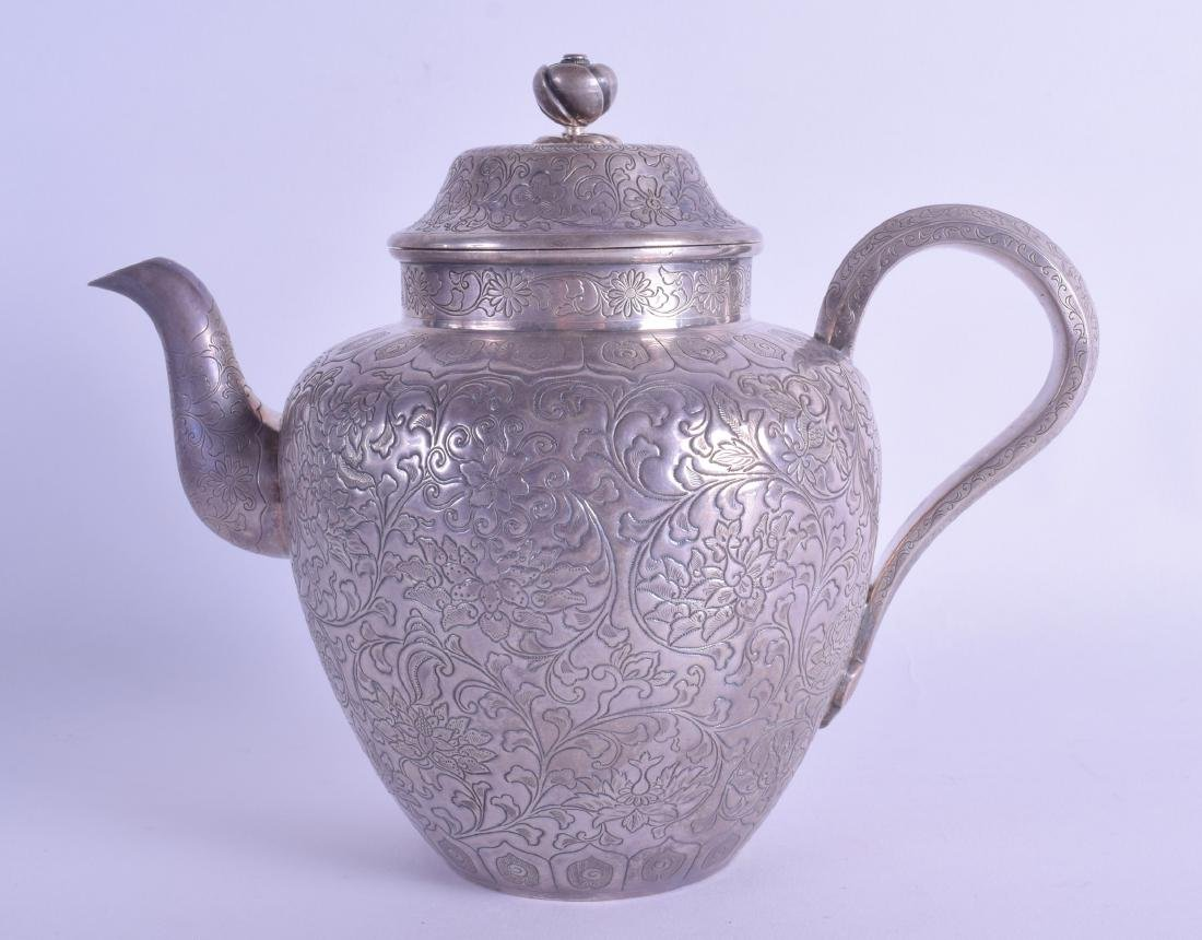 A GOOD 19TH CENTURY CHINESE SILVER TEAPOT AND COVER