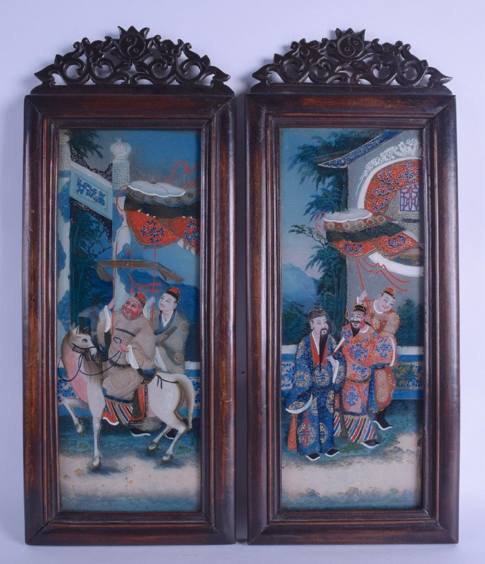 A PAIR OF 19TH CENTURY CHINESE REVERSE PAINTED GLASS