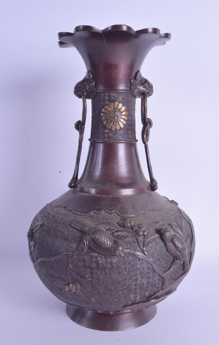 A 19TH CENTURY JAPANESE MEIJI PERIOD BRONZE VASE