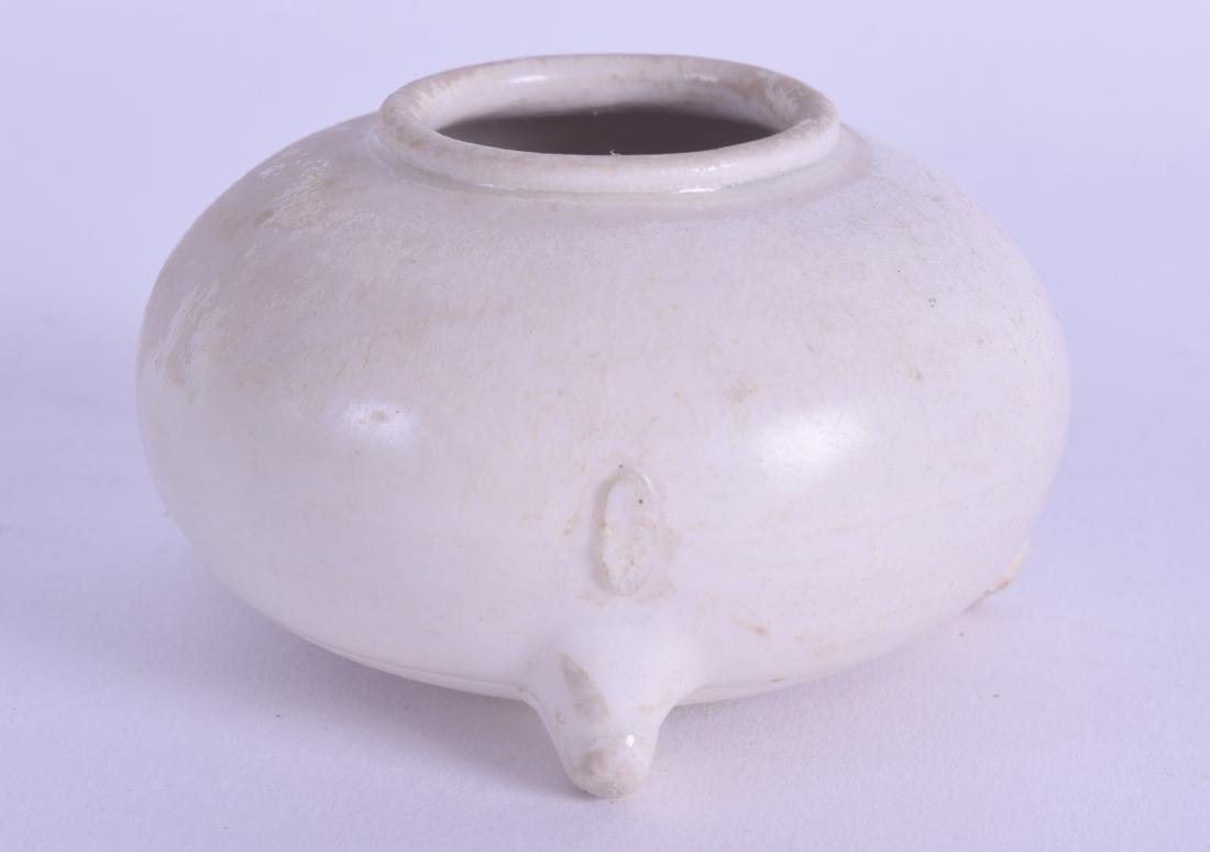 A GOOD EARLY CHINESE BLANC DE CHINE PORCELAIN BRUSH
