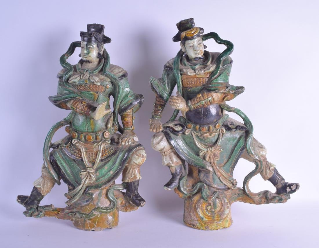 A RARE LARGE PAIR OF 17TH CENTURY CHINESE SANCAI GLAZED